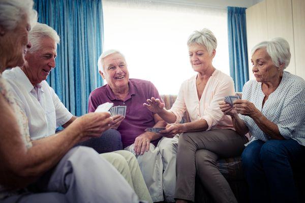 Quels stores et rideaux choisir pour aménager une maison de retraite ?